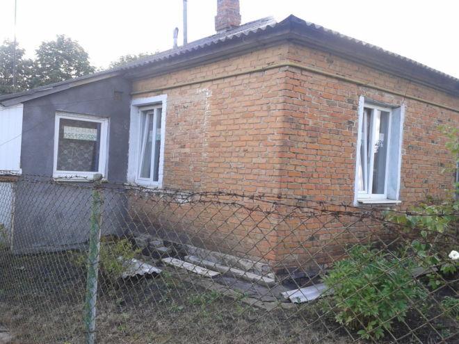 Продам 2-х кімнатну квартиру 43 кв.м., в бараці, смт.жвирка, львівські 3