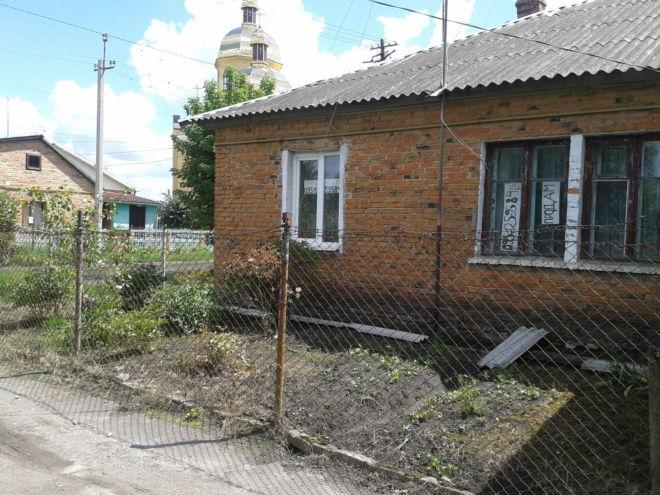 Продам 2-х кімнатну квартиру 43 кв.м., в бараці, смт.жвирка, львівські 2
