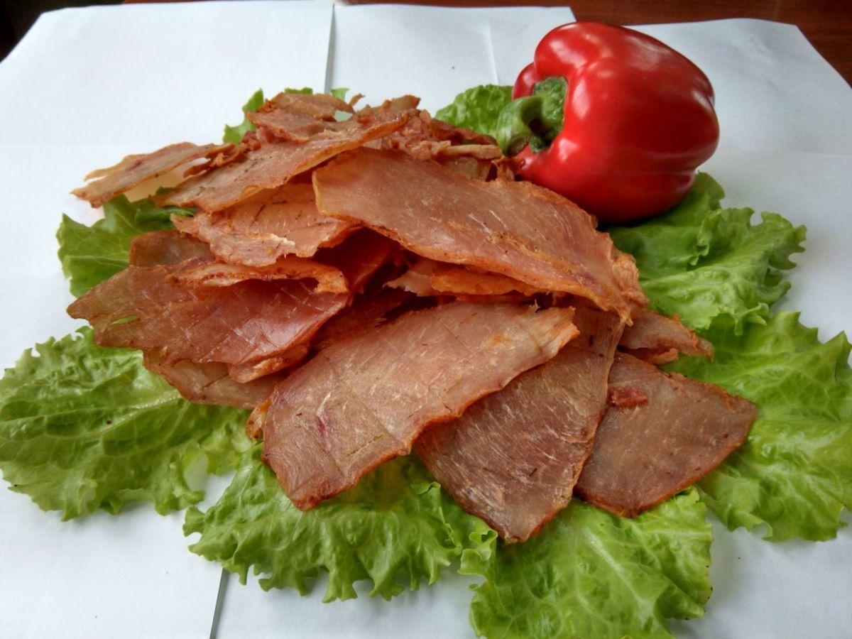 Как сделать мясные чипсы к пиву дома из свинины