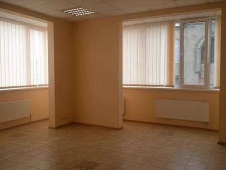 Продам  2-ком квартиру в центре Короленко 23 новострой