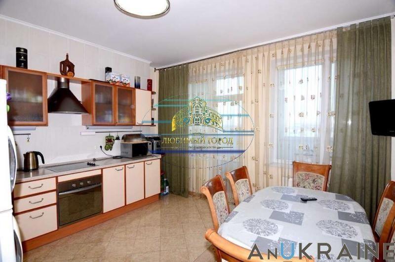 2к. и кухня-студия в Центре 88кв.м с ремонтом и мебелью