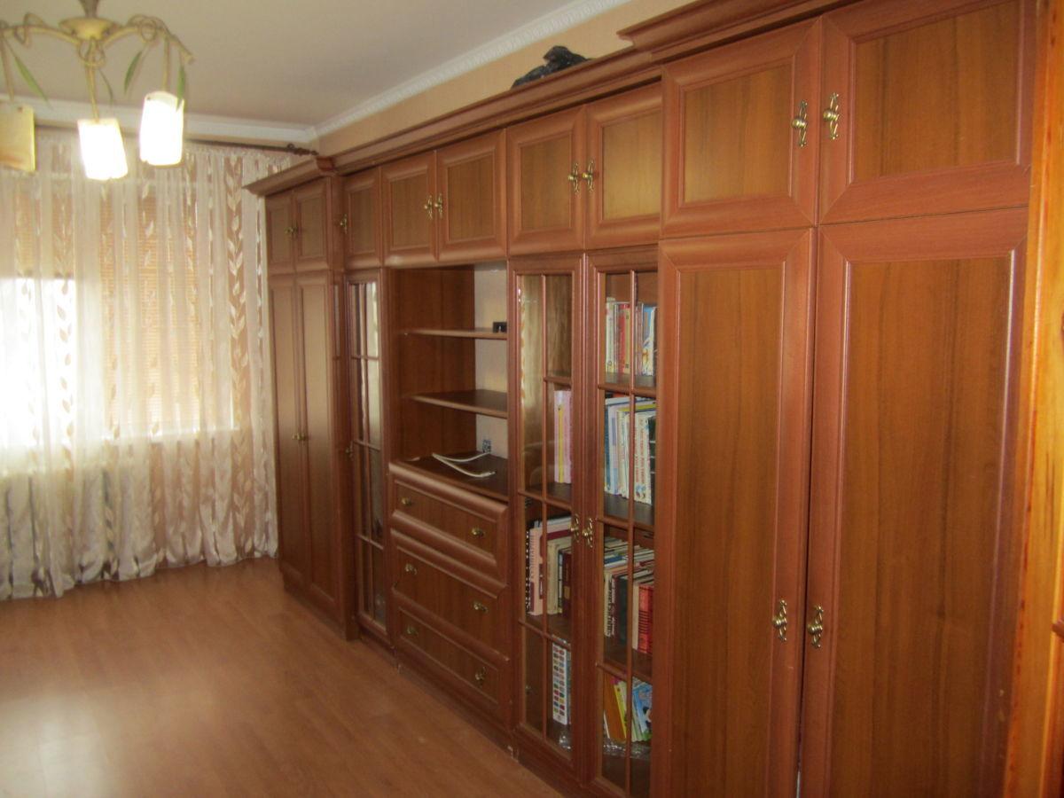 Продаю 3-х комнатную квартиру ( чешка) с ремонтом!