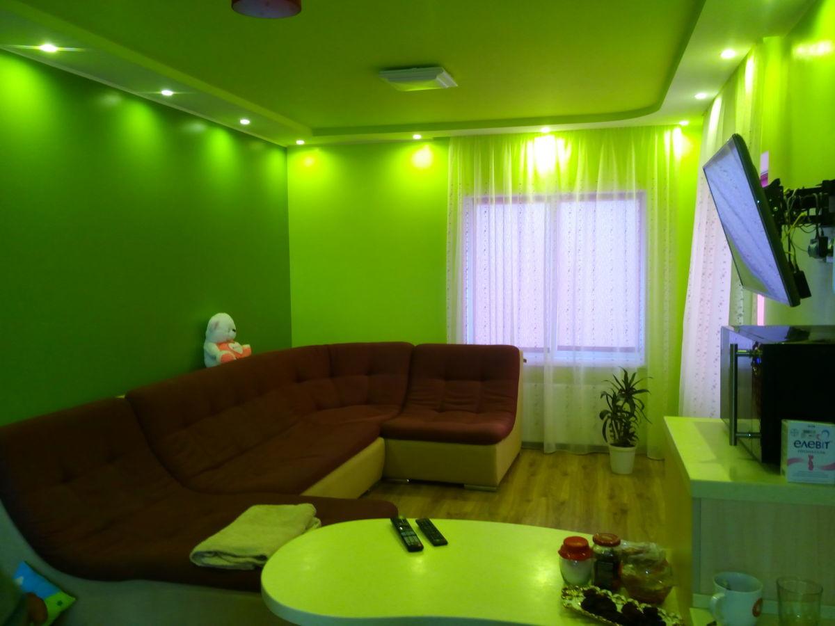 Продам  новый 2-х эт. дом в г.Скадовске, 5,34 соток