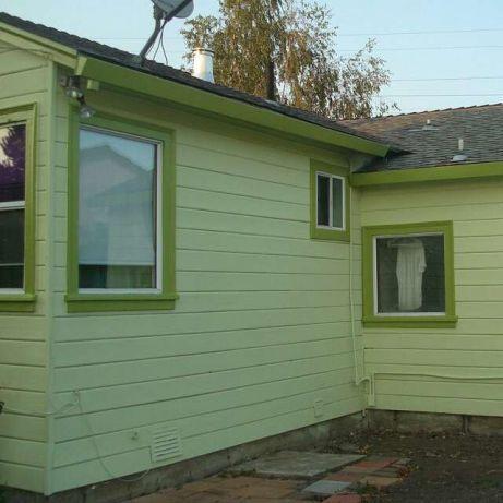 Услуги окраски стен, потолков, фасадов домов, заборов, крыш.