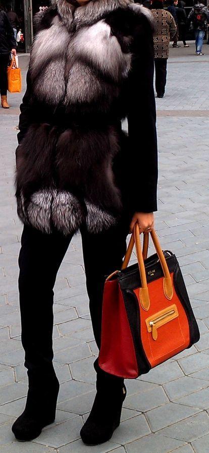Меховая жилетка лиса 42 размер