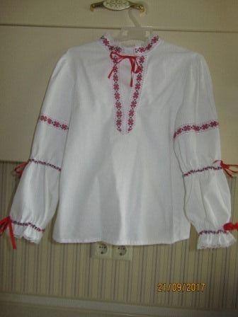 Вышиванка для девочки 128 р. б. у.