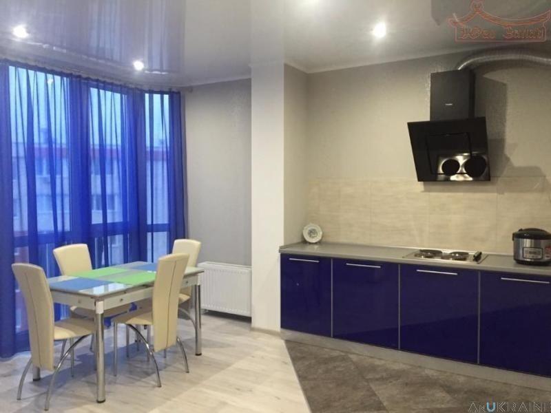 """Продается 1-комнатная  40м2. квартира в """"Радужном""""."""