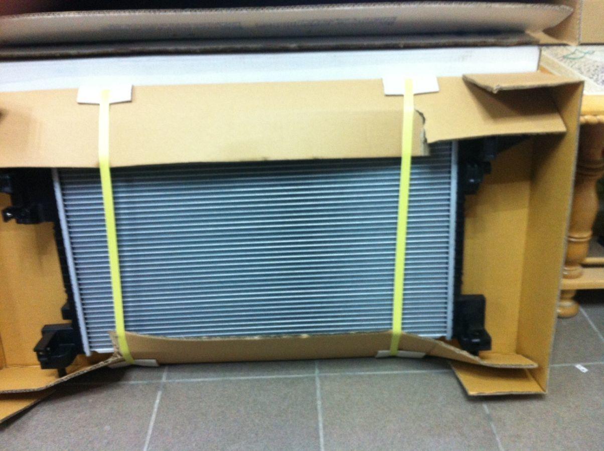 Радиатор охлаждения ДВС Chevrolet Volt 11-15