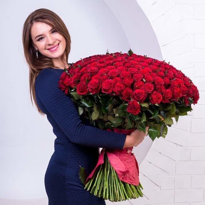 Доставка цветов Днепр - 14 февраля День влюблённых. Сердце из роз.