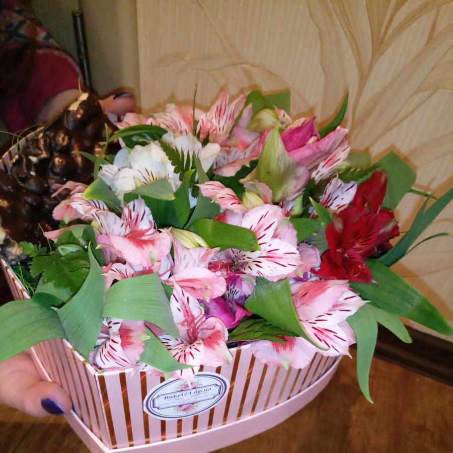 Купить Цветы на 8 МАРТА - Доставка цветов Днепр - Бесплатная доставка