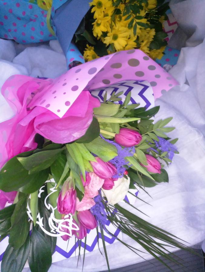 Доставка цветов Днепр что подарить на 14 февраля Святой Валентин