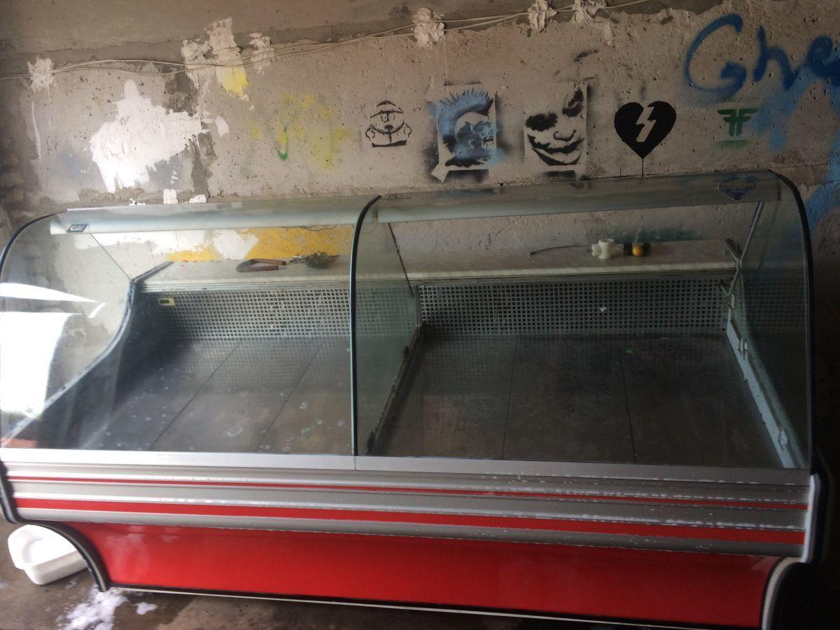 Продам б/у холодильное оборудование холодильная витрина Cold W20 Sg