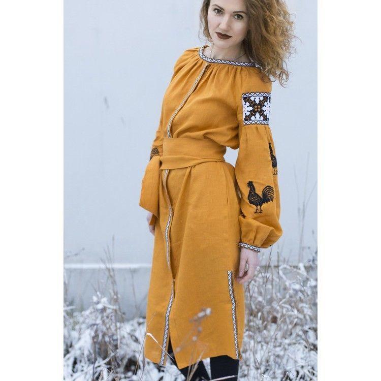 Плаття кольору охри з півнями  2 150 грн. - Сукні 61cc3c30d4ff7
