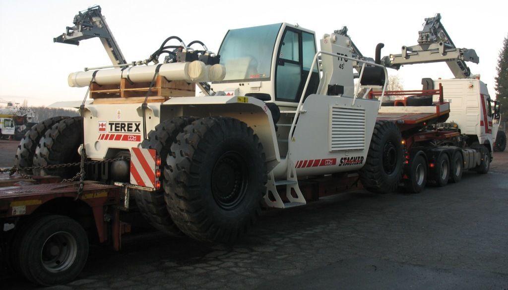 Продаем штабелеукладчик TEREX PPM SUPER STACKER TFC 45, 2014 г.в.