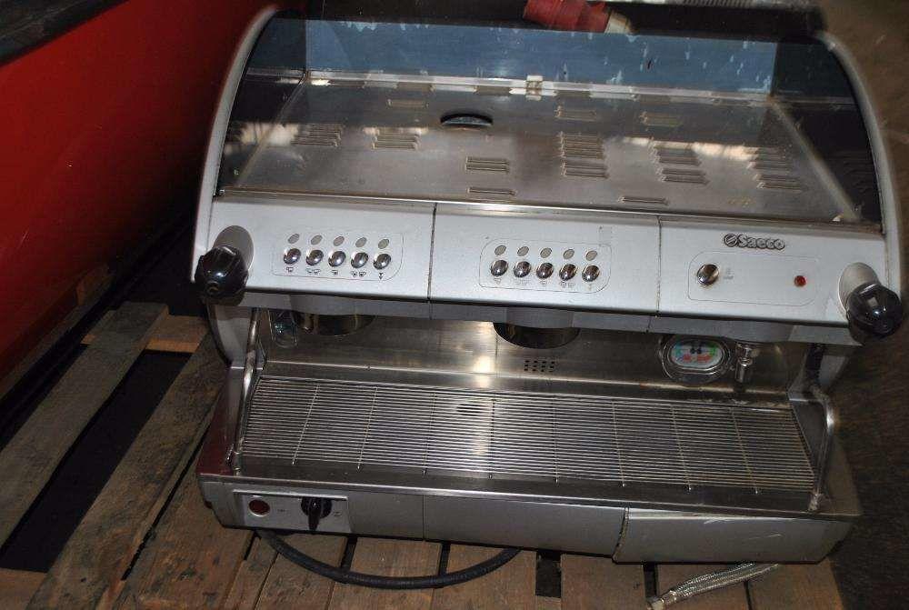 Кофемашина б у саека для кафе SAECO AROMA SE 200 .