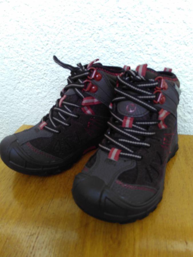 Дитячі черевики Merrell Kids Capra Mid Waterproof  1 100 грн. - Для ... 37ba28eb92412