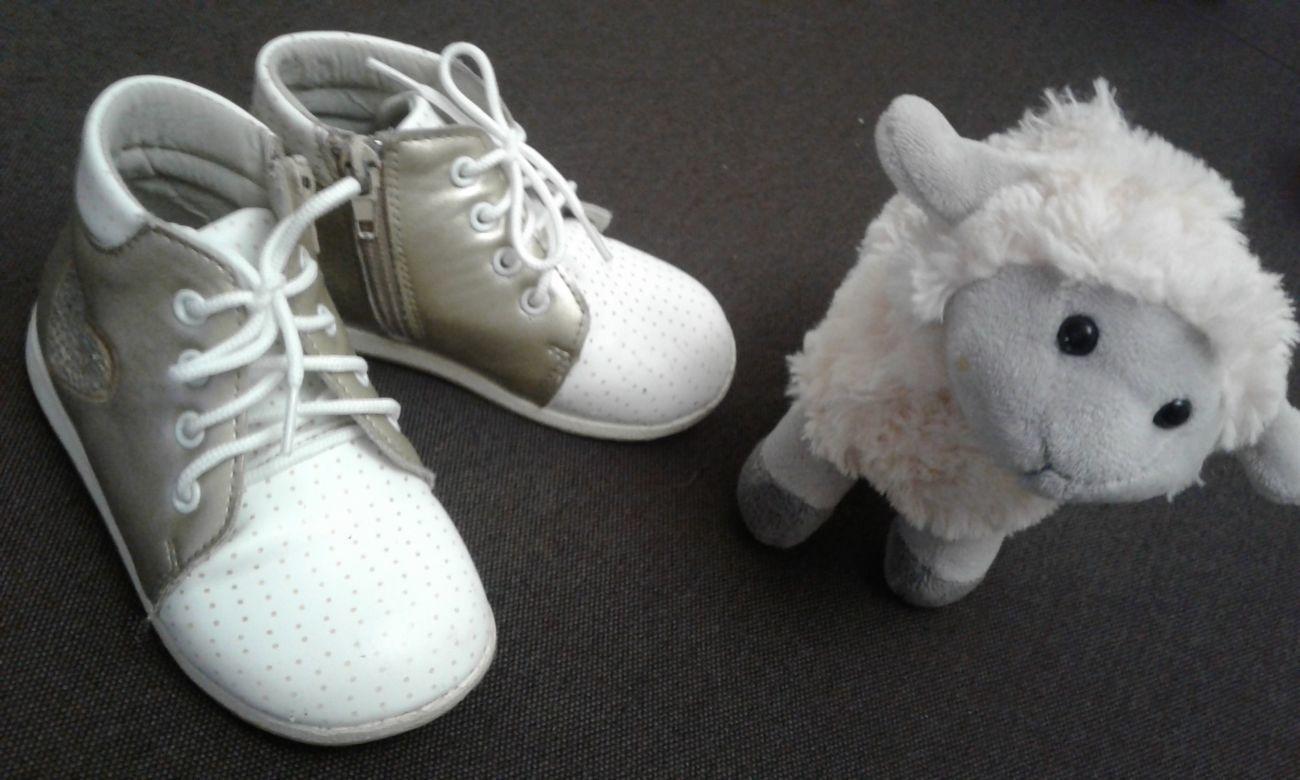 Ботинки на девочку 24р, 15 см стелька   220 грн