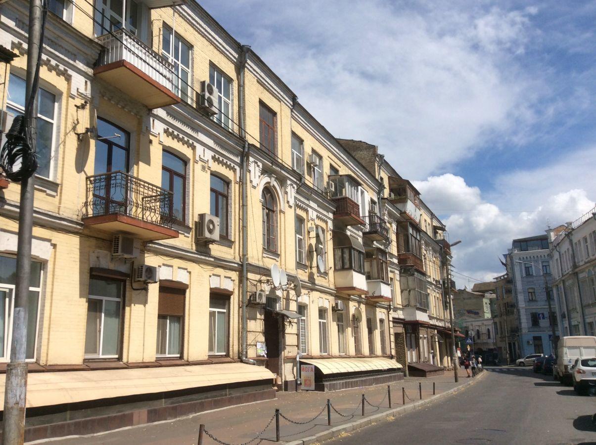 Продам 2-комнатную квартиру 65 кв.м. на Подоле, ул.Притисско-Никольска