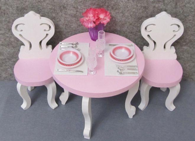 Мебель для кукол -- стол ,стулья и посуда