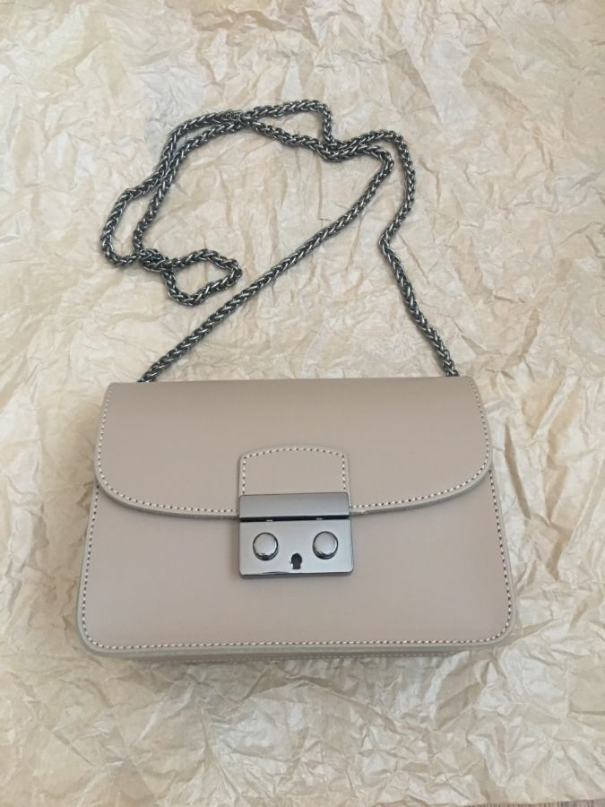 bf31a310c348 Кожаная сумка-клатч на цепочке в цвете тауп, Италия!: 1 250 грн ...