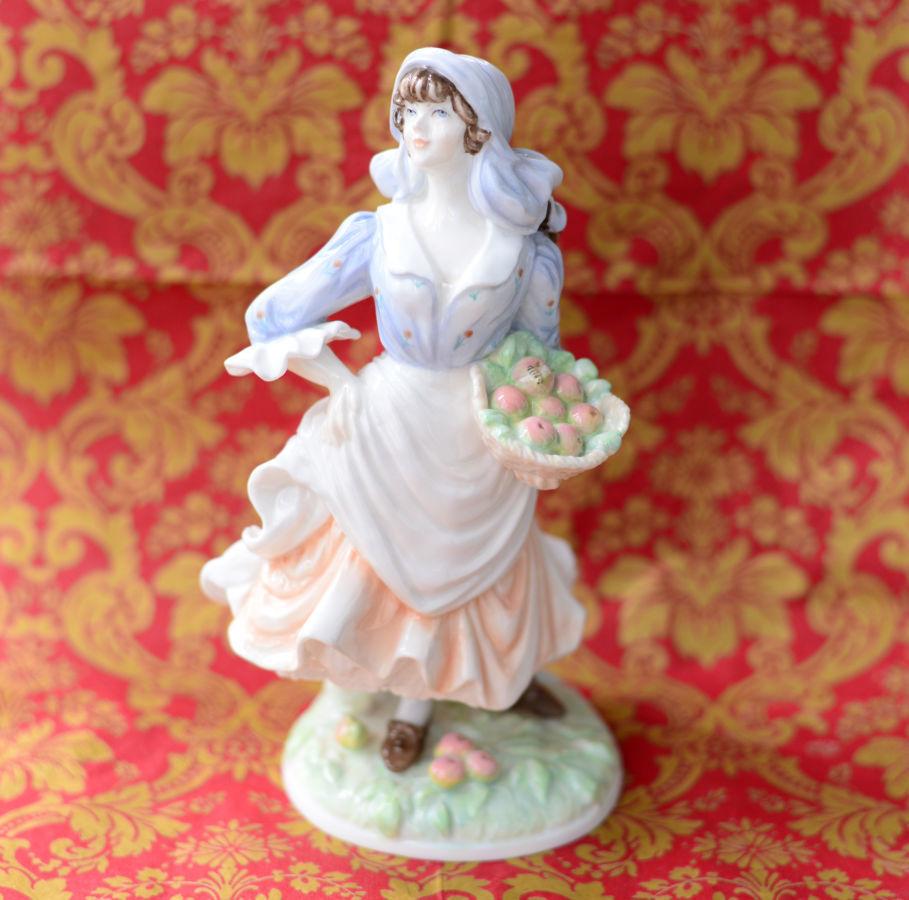 Коллекционная фарфоровая статуэтка фигурка фарфор Royal Worcester