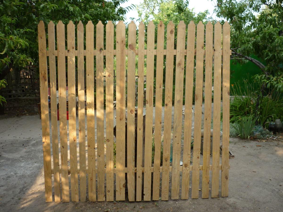 Забор сосновый