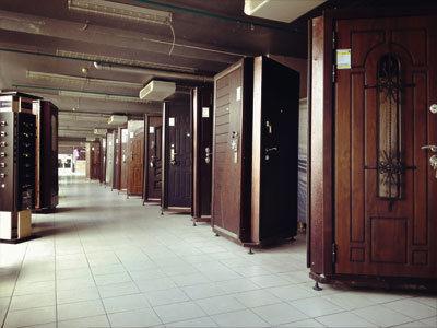 Ликвидация склада. Входные и межкомнатные двери. Дверь входная