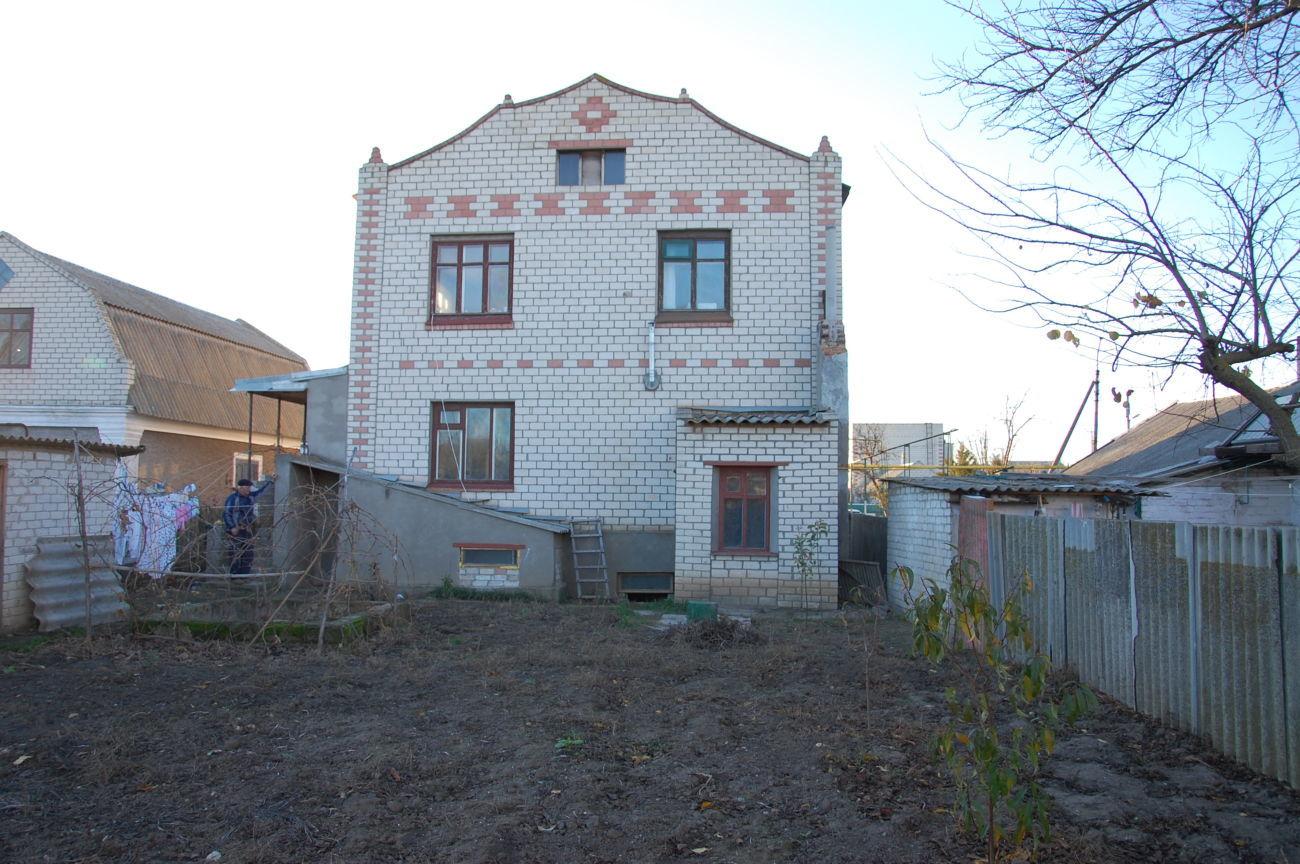 Продам 2-х эт.дом в г.Скадовске, 5 кварталов до моря