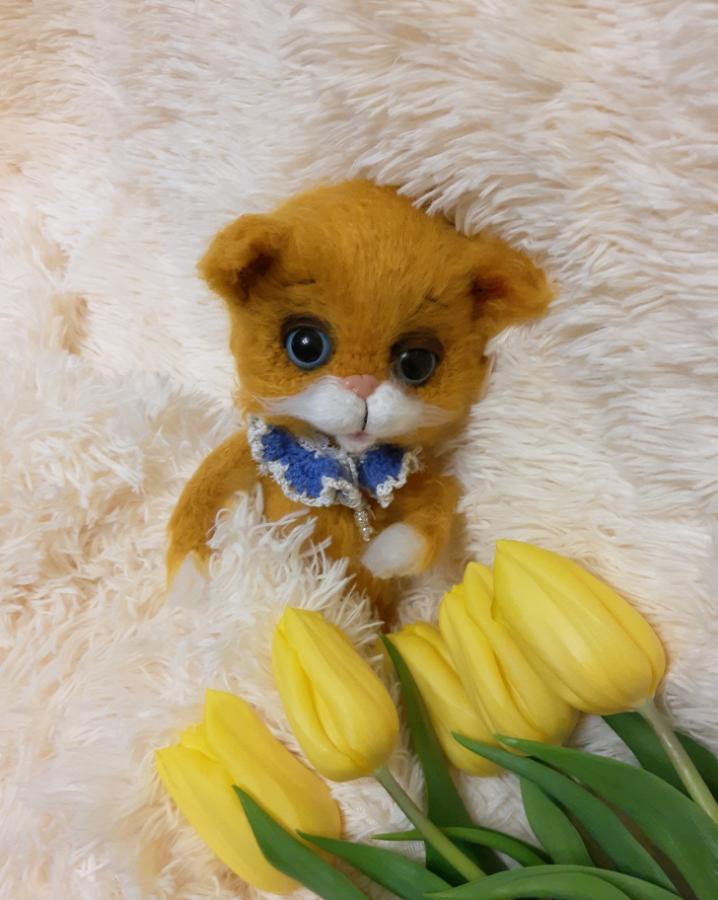 Мягкая игрушка ручной работы вязаный кот, котик. интерьерная игрушка