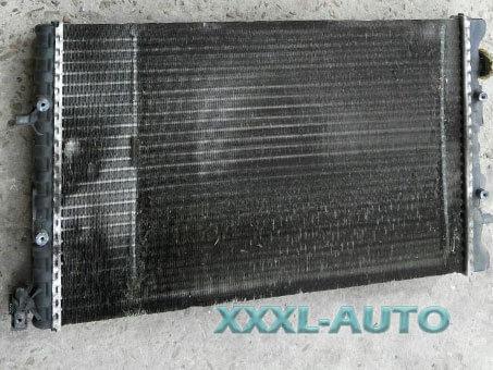 Радіатор охолодження Skoda Fabia 1.2 6Q0121253M