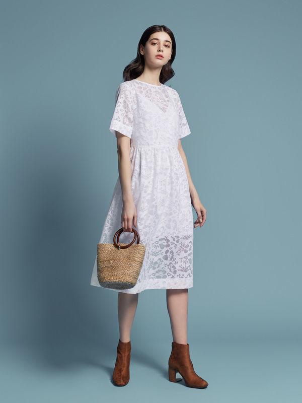 Напівпрозоре біле плаття з майкою  1 750 грн. - Сукні 16f3d68f16da8