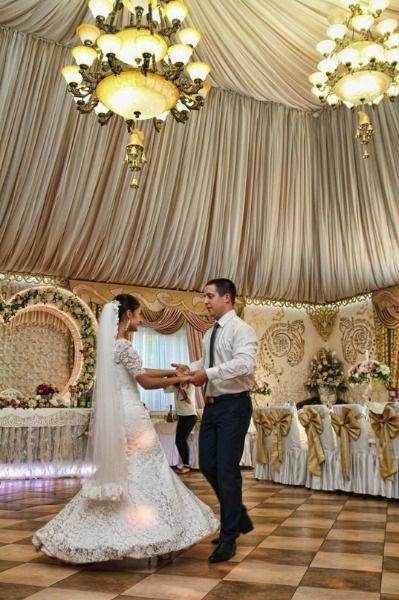 Відеозйомка та фотозйомка весілля.Відеоператор на весілля.