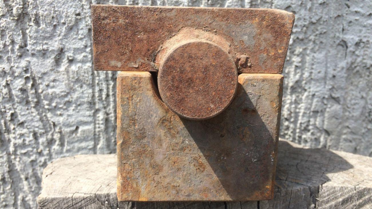 Пресс-форма для изготовления хомутов