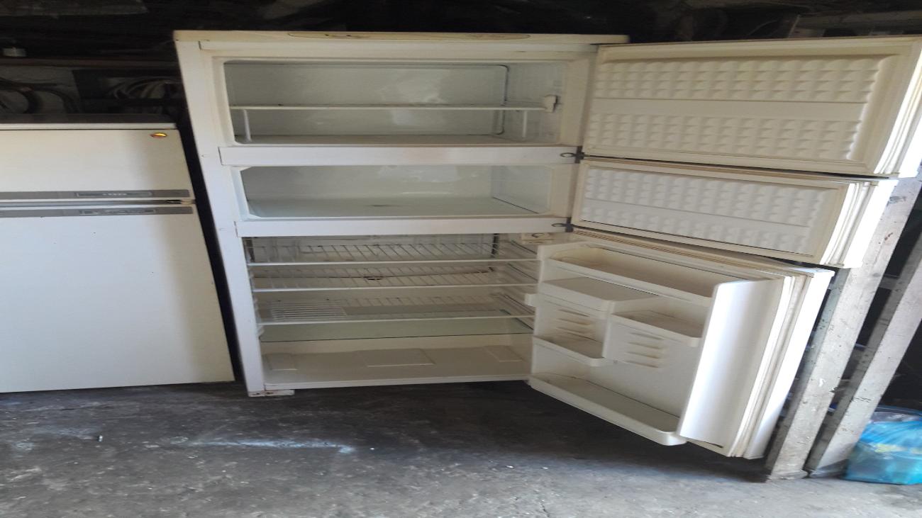 Трехкамерный холодильник