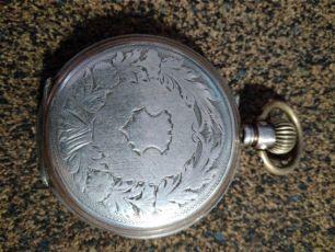 Часы Швейцарские карманные 19=й век корпус серебро .