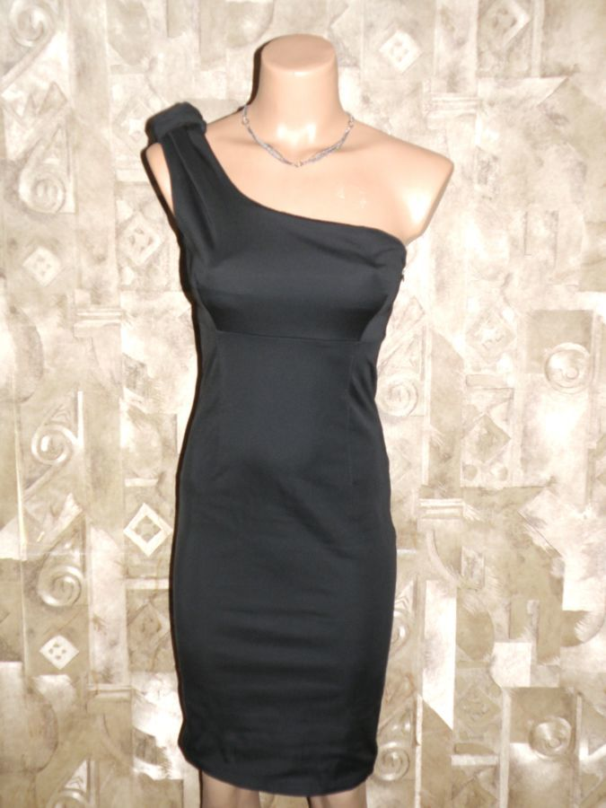 Стрейчевое, утягивающее платье р.S-М