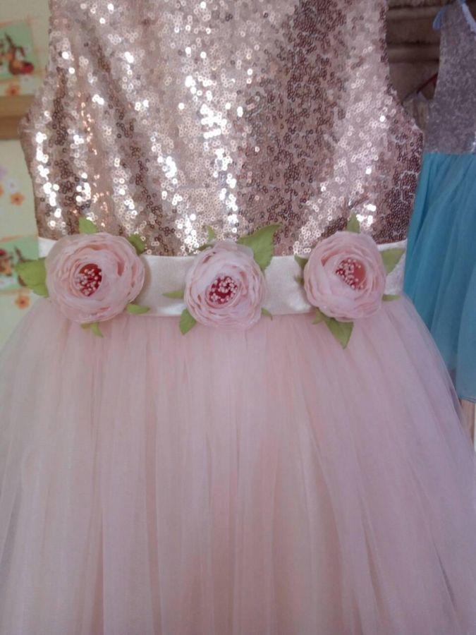 Красивое нежное платье для девочки