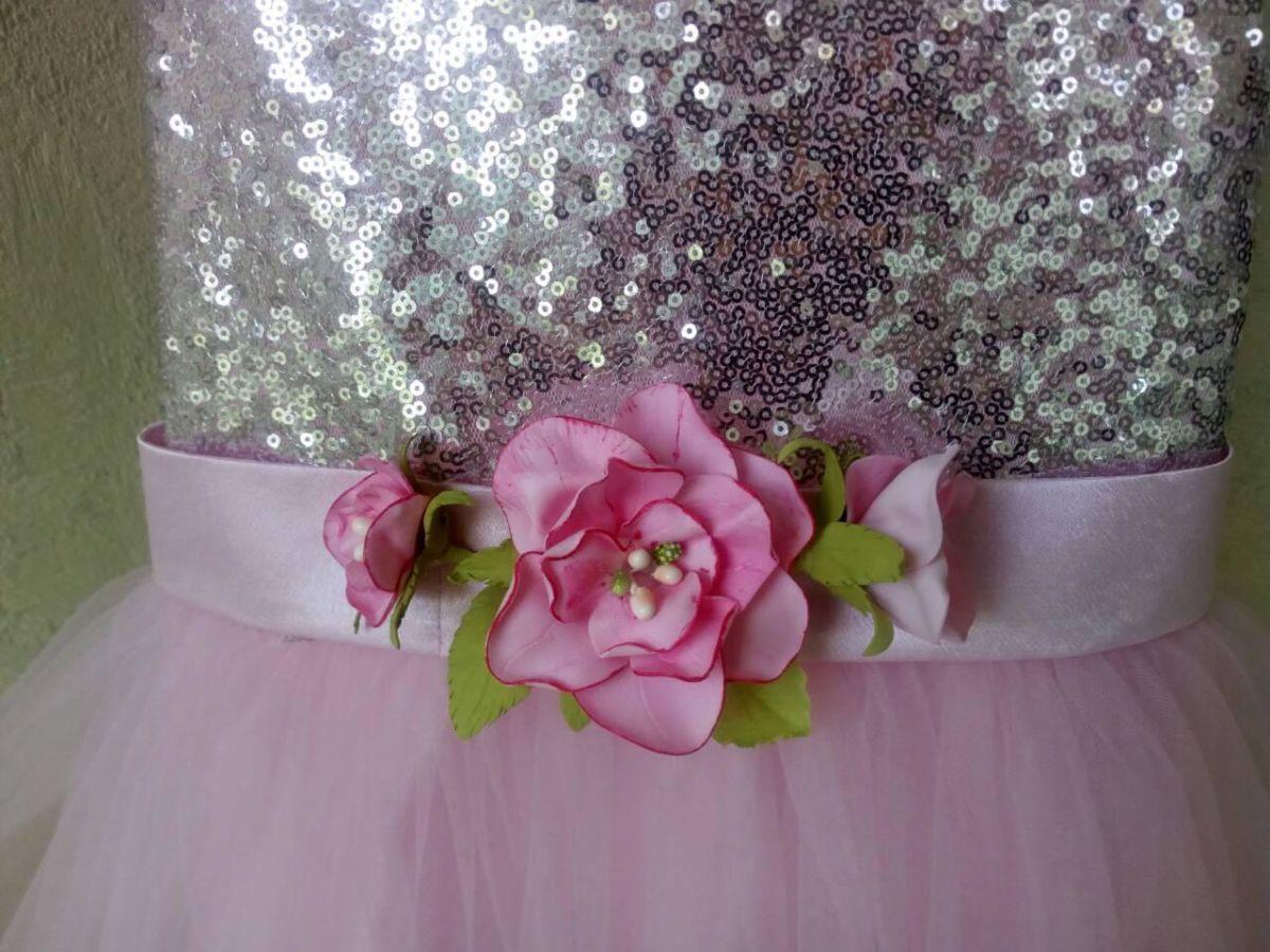 Нежное красивое платье для девочки
