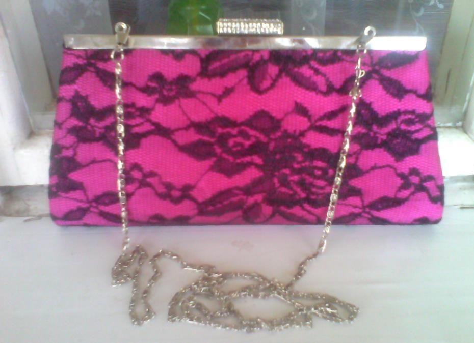 Сумка-клатч розового цвета с цепочкой