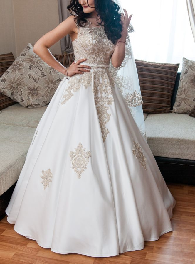 7c41cf69b4c25d Вишукана атласна весільна сукня: 320 $ - Весільні сукні Вараш ...