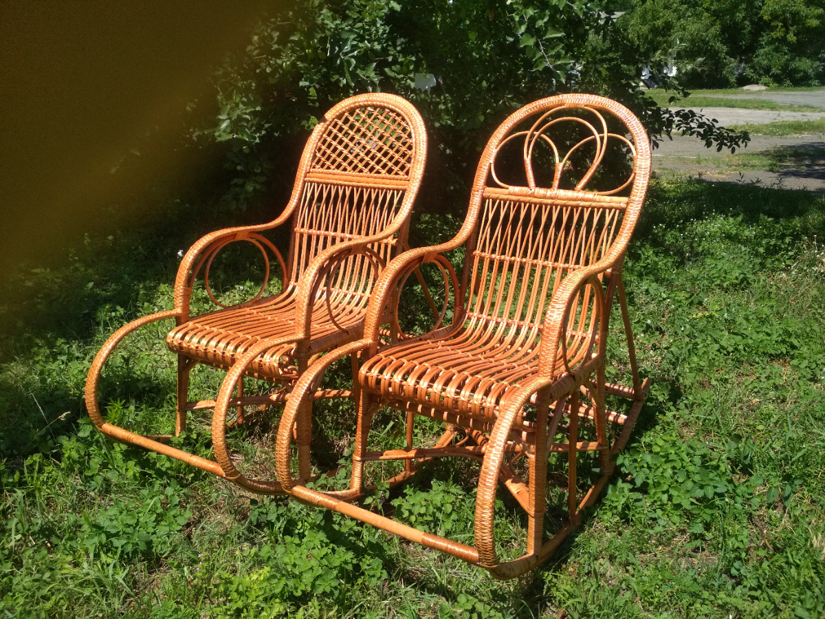 Кресло качалка плетеная из лозы (крісло каталка плетене із лози)