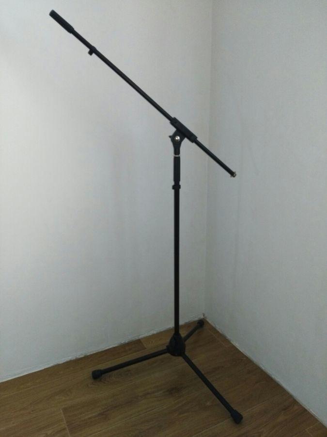 Профессиональная стойка для микрофона.
