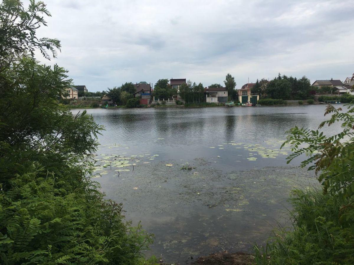 Продажа участка живописного с выходом на залив р. Днепр.