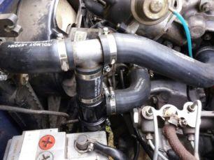 Патрубки радиатора на ЗАЗ Таврия 1102, Тройник термостата, сапун