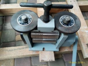 Продам ювелирные вальцы ручные 65х130