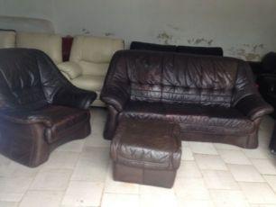 Комплект шкіряних меблів ( 3-х місний диван, крісло, пуф) з ЄС