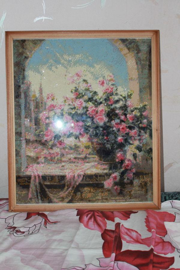 алмазна вишивка / алмазная вышивка троянди у проймі вікна