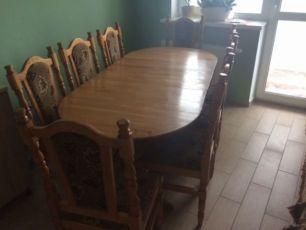 Продаю деревянный обеденный стол со стульями