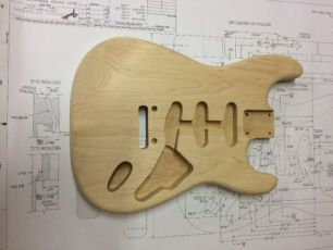 Гитарная дека Fender stratocaster