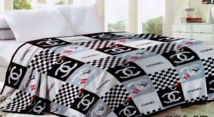 1fdd7e943bed ... Пледы-покрывала (микрофибра) с брендовыми логотипами Шанель, Луи Витон  5 ...